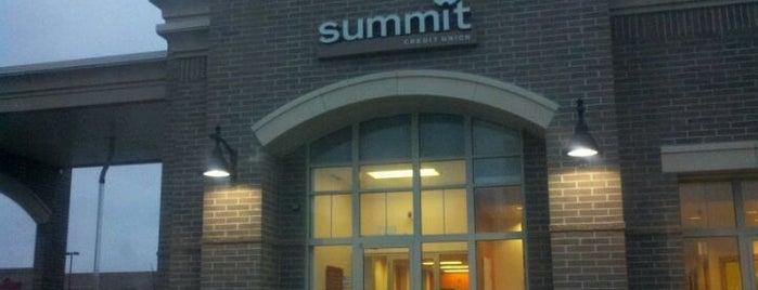 Summit Credit Union is one of Lieux qui ont plu à Erica.