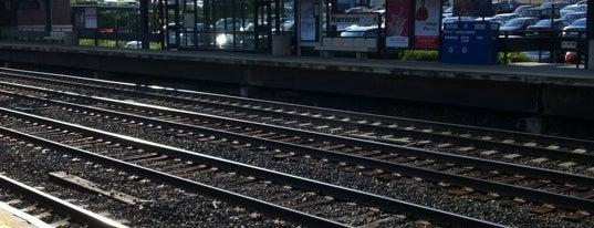 Metro North - Harrison Train Station is one of New Haven Line & Northeast Corridor (Metro-North).