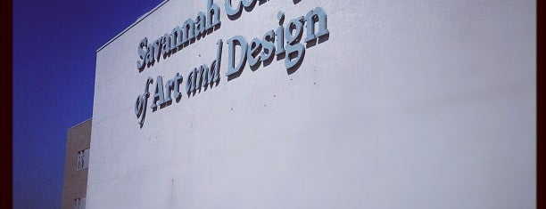 SCAD - Savannah College of Art and Design is one of Carl 님이 저장한 장소.