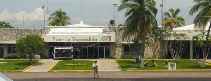 Aeropuerto Internacional de Puerto Escondido (PXM) is one of Locais curtidos por Isabel.