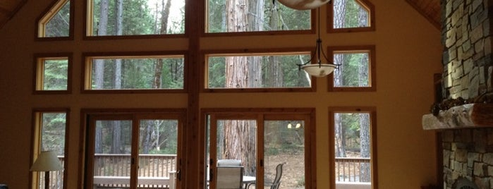 Evergreen Lodge at Yosemite Groveland is one of Haslettさんのお気に入りスポット.