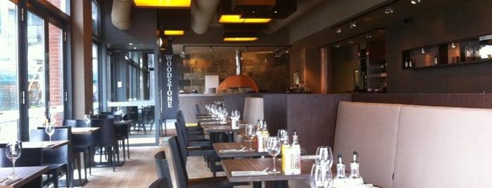 Woodstone Pizza And Wine is one of Orte, die Michal gefallen.