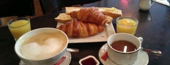 Le Paris Montparnasse Café Restaurant is one of Alexander's Liked Places.