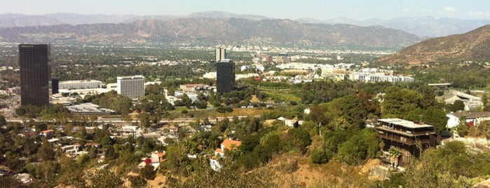Universal City Overlook is one of Mikeさんの保存済みスポット.