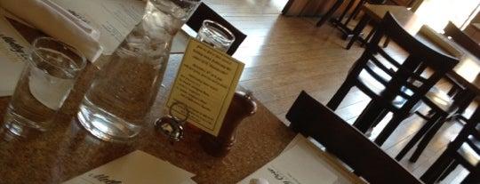 Motley Cow Café is one of Lieux qui ont plu à Nick.