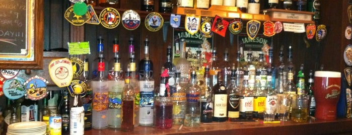 Castlebay Irish Pub is one of Locais curtidos por Charlotte.