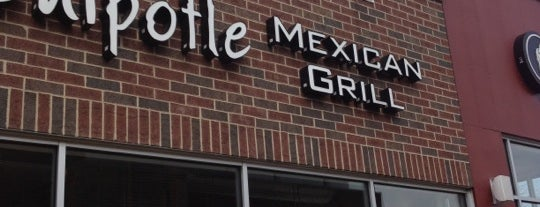 Chipotle Mexican Grill is one of Chris'in Beğendiği Mekanlar.