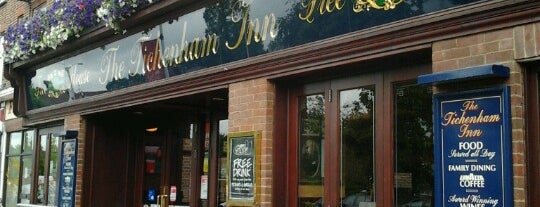 The Tichenham Inn (Wetherspoon) is one of Carlさんのお気に入りスポット.