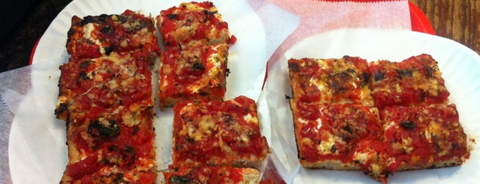 Louie's Pizzeria and Restaurant is one of Your own Roosevelt Avenue tour.