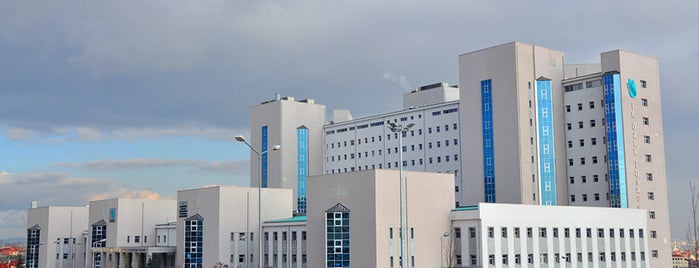 Marmara Üniversitesi Pendik Eğitim ve Araştırma Hastanesi is one of Lieux qui ont plu à F@RUK.
