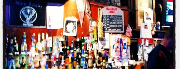 Harbor Inn Cafe is one of Dive Bars.