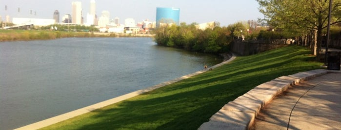 White River State Park is one of StorefrontSticker City Guides: Indianapolis.