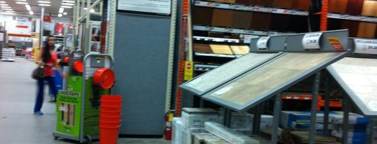 The Home Depot is one of Orte, die Marcus gefallen.