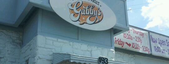 Gabby's Burgers & Fries is one of Tempat yang Disukai Brady.