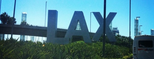 Flughafen Los Angeles International (LAX) is one of The Crowe Footsteps.