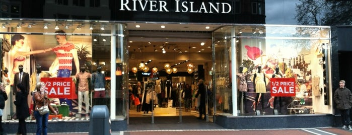 River Island is one of Lieux qui ont plu à Siobhan.