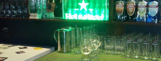 Ye Olde Pub is one of Barzinhos e Pubs.