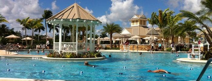 Polo Club Pool is one of Lara'nın Beğendiği Mekanlar.