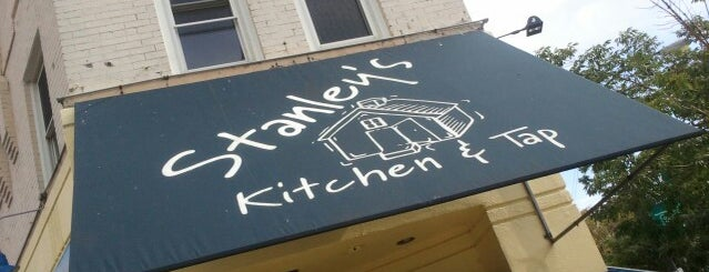 Stanley's Kitchen & Tap is one of Guide to Chicago's best spots (#280).
