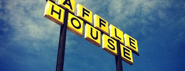Waffle House is one of Lieux qui ont plu à Rose.