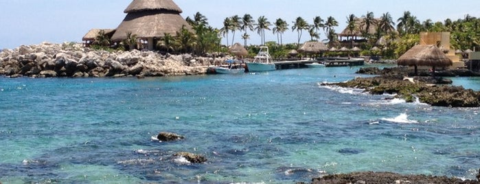Playa Xcaret is one of Lugares favoritos de Mel.