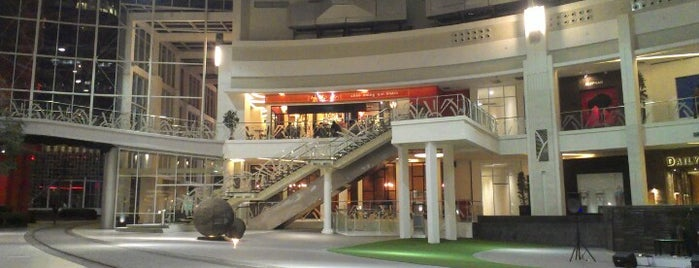 Epicentrum Walk (epiwalk) is one of My Lovely Place Ever !.