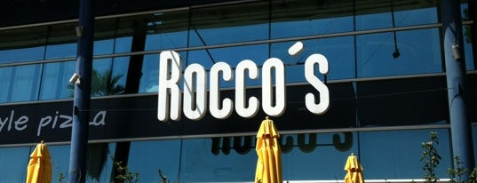 Rocco's Pizza is one of Estela 님이 좋아한 장소.
