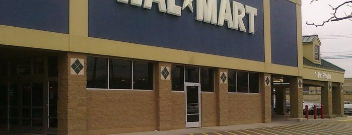 Walmart is one of Cole'nin Beğendiği Mekanlar.