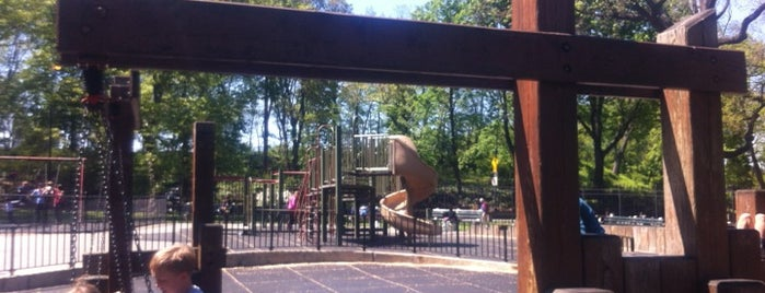 Central Park - 96th Street Playground is one of สถานที่ที่ El Greco Jakob ถูกใจ.