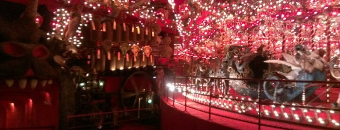 The House on the Rock is one of May Road Trip.