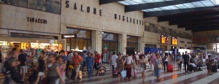 Stazione Firenze Santa Maria Novella is one of Top 100 Check-In Venues Italia.