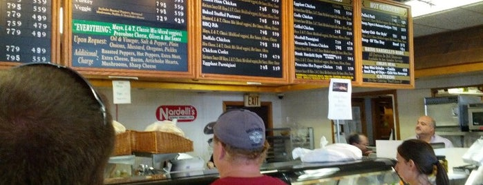 Nardelli's Grinder Shoppe is one of Everywhere Else.