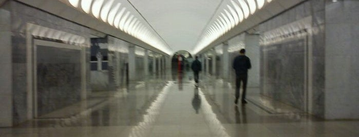 metro Dostoyevskaya is one of Москва.