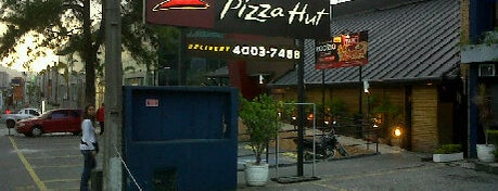 Pizza Hut is one of Alphaville.