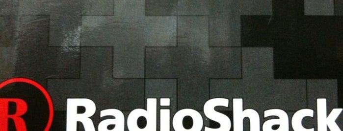 RadioShack is one of J Robertさんのお気に入りスポット.