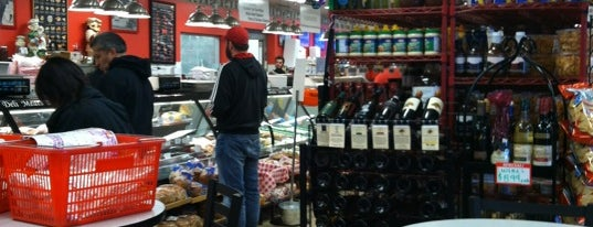 Kenrick's Meat Market is one of Posti che sono piaciuti a Sean.