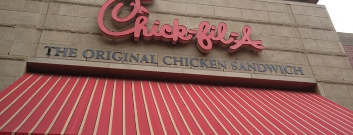 Chick-fil-A is one of Posti che sono piaciuti a Crispin.