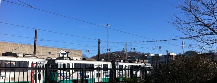 MBTA Green Line - D Train is one of สถานที่ที่ al ถูกใจ.
