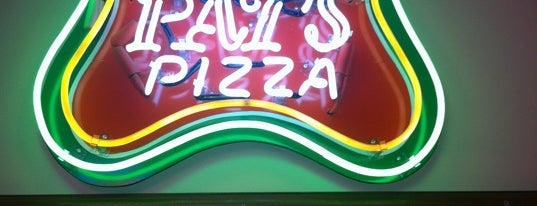 Pat's Pizza Yarmouth is one of Lugares favoritos de Jonathan.