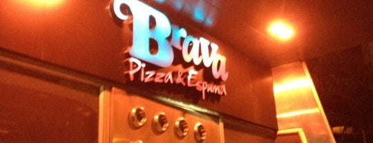 Brava Pizza & Espuma is one of Locais salvos de Kevin.