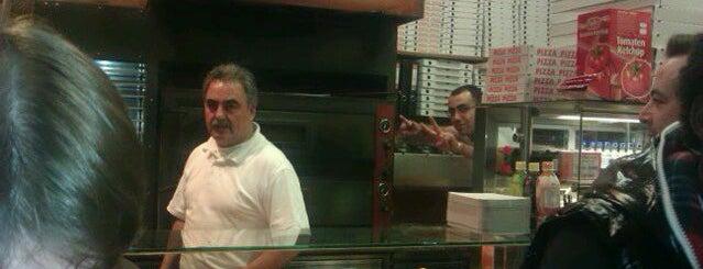 Pizzeria Oregano is one of Tempat yang Disimpan Mario.