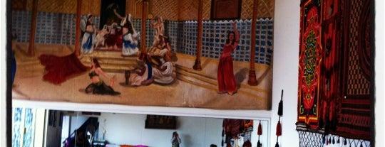 Escuela Oficial De Danzas Arabes is one of Tempat yang Disimpan Fabiola.