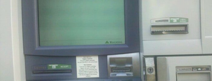 Regions Bank is one of Posti che sono piaciuti a B David.