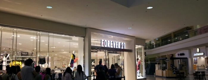 Forever 21 is one of Rosana 님이 좋아한 장소.