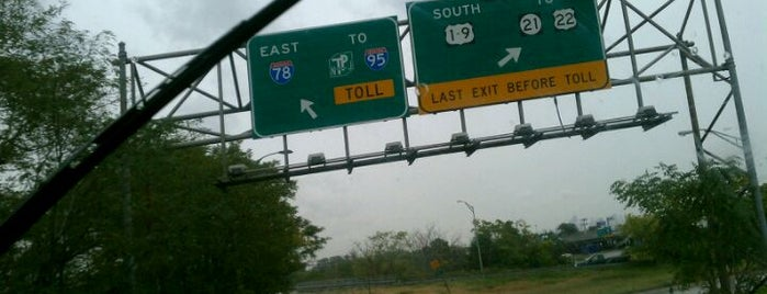 NJ Turnpike at Exit 15E is one of New Jersey highways and crossings.