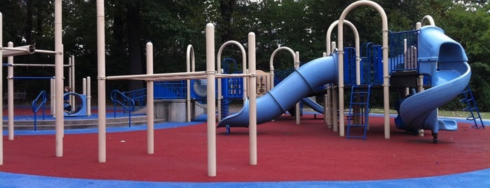Peabody Park is one of Tempat yang Disukai Jacque.