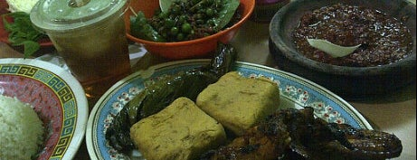 Warung Nasi Ibu Imas 2 is one of Bandung Food Foursquare Directory.