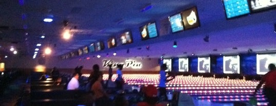 King Pin Bowling is one of Lugares favoritos de Fred.