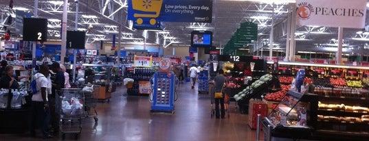 Walmart Supercenter is one of Orte, die Shamika gefallen.