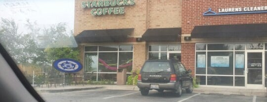 Starbucks is one of Tempat yang Disukai Christa.